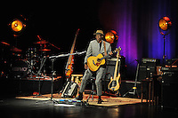 FORT LAUDERDALE, FL - SEPTEMBER 22: Keb Mo performs at The Parker Playhouse on September 22, 2016 in Fort Lauderdale, Florida. Credit: mpi04/MediaPunch