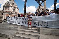 Roma 16 Aprile 2012.Manifestazione dei Centurioni contro la decisione della Sovraintendenza di Stato e del Comune di Roma di vietare la loro presenza al Colosseo.