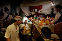 Busy restaurant for middle class Chinese.