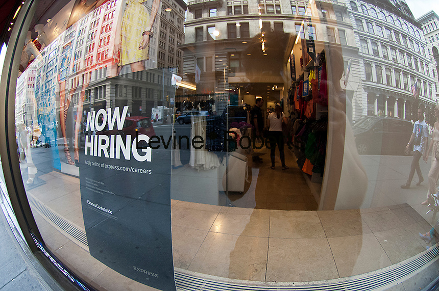 Now hiring: fashion retailers and clothing stores