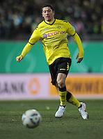 FUSSBALL   DFB POKAL   SAISON 2011/2012   VIERTELFINALE Holstein Kiel - Borussia Dortmund                          07.02.2012 Robert Lewandowski (Borussia Dortmund)