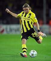 FUSSBALL   CHAMPIONS LEAGUE   SAISON 2012/2013   GRUPPENPHASE   Borussia Dortmund - Ajax Amsterdam                            18.09.2012 Marcel Schmelzer (Borussia Dortmund)  Einzelaktion am Ball