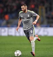 FUSSBALL CHAMPIONS LEAGUE  SAISON 2015/2016 ACHTELFINAL HINSPIEL AS Rom - Real Madrid                 17.02.2016 Karim Benzema (Real Madrid) am Ball