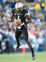 WEST LAFAYETTE, IN - OCTOBER 06: Wide receiver O.J. Ross #4 of the Purdue Boilermakers catches a pass against the Purdue Boilermakers at Ross-Ade Stadium on October 6, 2012 in West Lafayette, Indiana. (Photo by Michael Hickey/Getty Images) *** Local Caption *** O.J. Ross