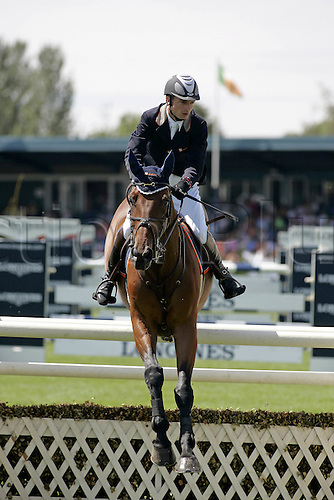 29 July 2006: French rider David Jobertie (FRA) rides VERSACE VAN'T PARADYS in The Longines Classic during The Longines Royal International Horse Show, Hickstead England. Photo: Glyn Kirk/Actionplus....060729 man men male showjump showjumping