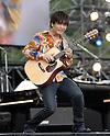 Guitarist Kotaro Oshio performs druing Jonetsu Tairiku Summer Live 2008. 9 August, 2008. (Taro Fujimoto/JapanToday/Nippon News)