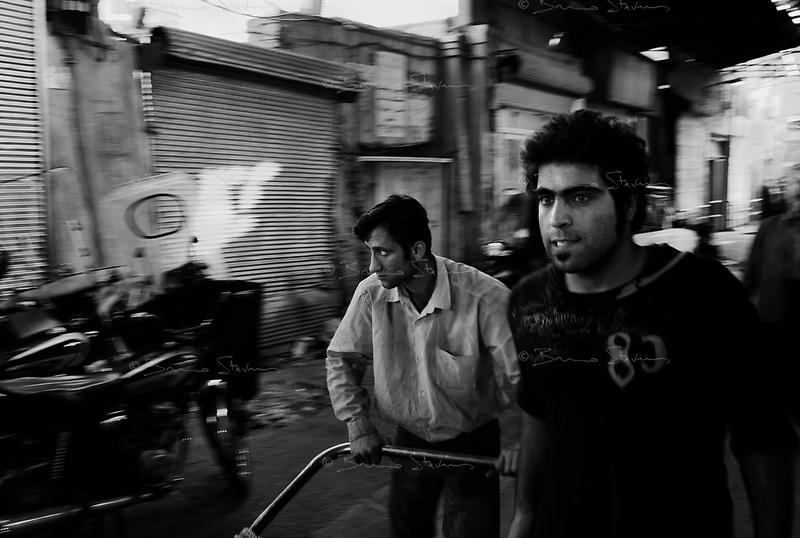 Teheran, Iran, October 9, 2007..Teheran bazaar, a 20km sq. maze of alleyways, is much quieter than usual during Ramadan, yet keeps its very unique atmosphere...