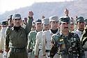 Irak 2000.Entrainement militaire au camp de Zawita.<br />   Iraq 2000.Training in Zawita's military camp