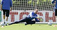 USA goalkeeper Kasey Keller during training in Hamburg, Germany, for the 2006 World Cup, June, 6, 2006.