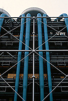 Renzo Piano and Richard Rogers: Centre Pompidou, Paris. East-facade-detail.