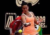 BOGOTA - COLOMBIA – 15 – 04 - 2017: Lara Arruabarrena de España, devuelve la bola a Francesca Schiavone de Italia, durante partido por el Claro Colsanitas WTA, que se realiza en el Club Los Lagartos de la ciudad de Bogota. / Lara Arruabarrena from Spain, returns the ball to Francesca Schiavone from Italy, during a match for the WTA Claro Colsanitas, which takes place at Los Lagartos Club in Bogota city. Photo: VizzorImage / Luis Ramirez / Staff.