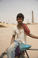 Untouchable caste brick maker - Rajasthan, India (please ask for specific location)