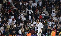 FUSSBALL  CHAMPIONS LEAGUE  HALBFINALE  RUECKSPIEL  2012/2013      Real Madrid - Borussia Dortmund                   30.04.2013 Allgemeine Enttaeuschung auf der Tribuene und bei Cristiano Ronaldo (Real Madrid)