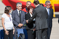 Prime Minister Mariano Rajoy greets family members of victims of forestal wildfire