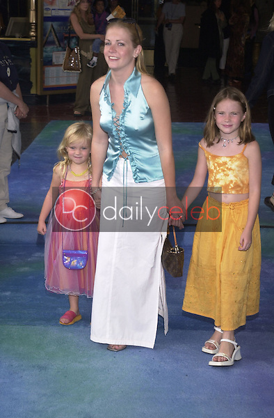 Melissa Joan Hart with sisters Ali and Sam