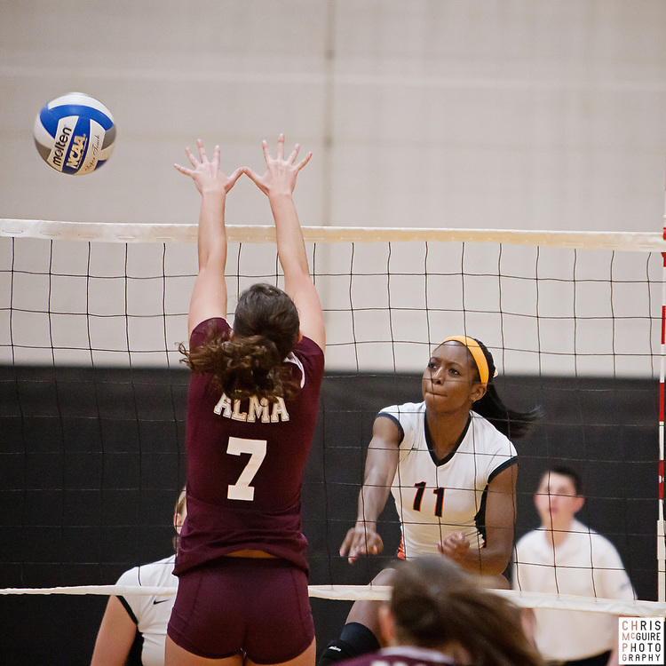 10/21/11 - Kalamazoo, MI: Kalamazoo College volleyball vs Alma.  Alma won 3-2.  Photo by Chris McGuire.