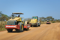 New roads and reconstruction, Planalto Central, Angola