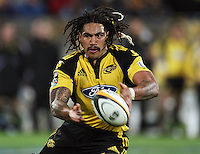 Ma'a Nonu passes during the Super 14 rugby union match between the Hurricanes and Blues at Westpac Stadium, Wellington, New Zealand on Friday 1 May 2009. Photo: Dave Lintott / lintottphoto.co.nz
