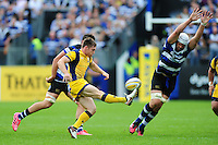Tom Heathcote of Worcester Warriors puts boot to ball. Aviva Premiership match, between Bath Rugby and Worcester Warriors on September 17, 2016 at the Recreation Ground in Bath, England. Photo by: Patrick Khachfe / Onside Images