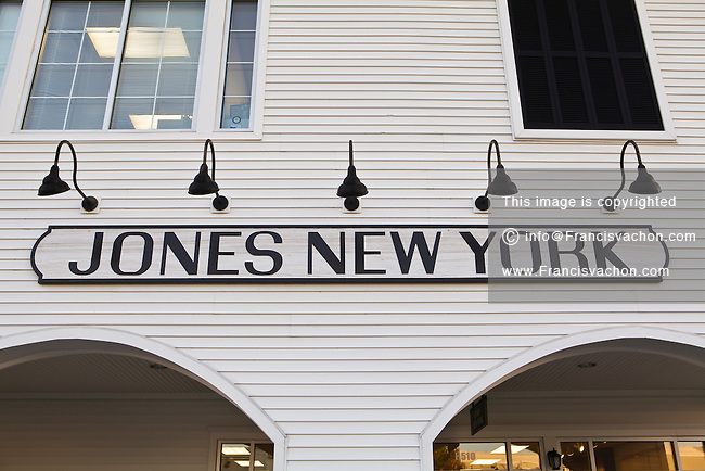 Find Jones New York Outlet Locations * Store locations can change frequently. Please check directly with the retailer for a current list of locations before your visit. Pennsylvania. Lahaska, PA. Penn's Purchase Factory Stores - CLOSED Jones New York Outlet. Phone: ()