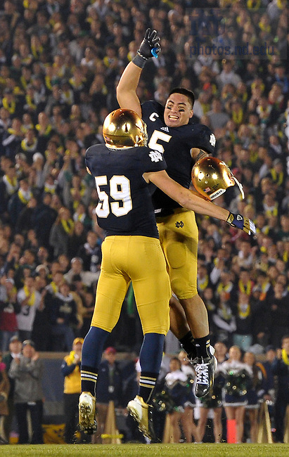 Nov. 17, 2012; Manti Te'o leaves the game in the fourth quarter.