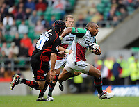 Twickenham, GREAT BRITAIN, Quins, Jordan TURNER-HALL, on the break, runs past Saracens Nick LLOYD,  during the Guinness Premiership match,  Saracens vs Harlequins, at Twickenham Stadium, Surrey on Sat 06.09.2008. [Photo, Peter Spurrier/Intersport-images]