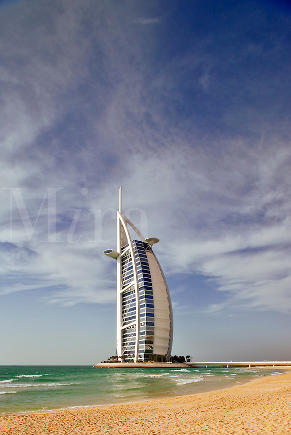 10082d422 jpg mira images for Sail shaped hotel dubai