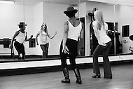 March 1970, Broadway, Manhattan, New York City, USA. French singer Sylvie Vartan takes dance lessons from Jojo Smith at Jojo Dance Factory, 1733 Broadway, after recovering from injuries she received from a car accident.