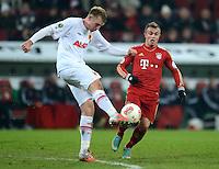 FUSSBALL  DFB-POKAL  ACHTELFINALE  SAISON 2012/2013    FC Augsburg - FC Bayern Muenchen        18.12.2012 Jan Ingwer Callsen Bracker (li, FC Augsburg) gegen Xherdan Shaqiri (FC Bayern Muenchen)