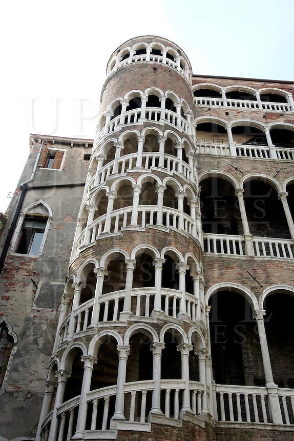 Il Palazzo Contarini del Bovolo, con la sua scala a chiocciola, a Venezia.<br /> The Palazzo Contarini del Bovolo and its spiral staircase, in Venice.<br /> UPDATE IMAGES PRESS/Riccardo De Luca