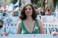Roma, 2 Giugno 2012.I movimenti del Forum Acqua Bene Comune manifestano per chiedere l'attuazione dell' esito referendario contro la privatizzazzione dell'acqua
