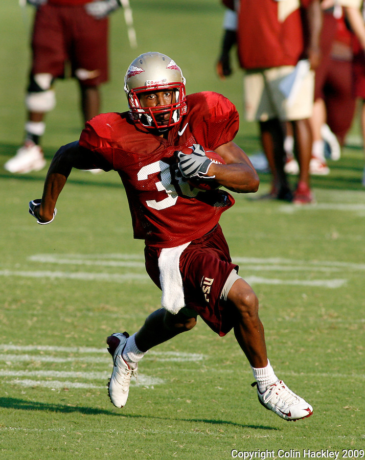 TALLAHASSEE, FL 8/8/10-FSU-080810 CH-Florida State's  Jermaine Thomas looks downfield during a practice run  Sunday in Tallahassee. .COLIN HACKLEY PHOTO
