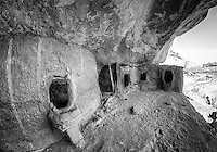 Moon House Dwellings -BW - Utah - Cedar Mesa
