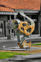 "Dominic Benhura ""Osterich"" Artwork, Sculpture,  Palm Desert, CA,  El Paseo"