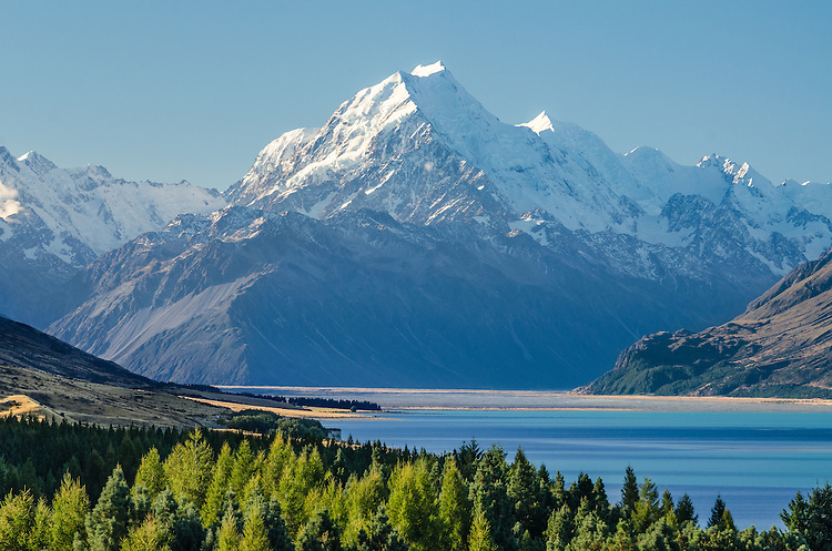 Aoraki / Mt Cook from Peter's Lookout. McKenzie Country, Canterbury, New Zealand.