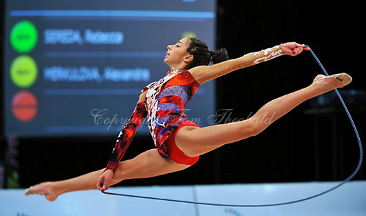 Rebecca Sereda of USA (junior) performs at 2010 World Cup at Portimao, Portugal on March 13, 2010.  (Photo by Tom Theobald).