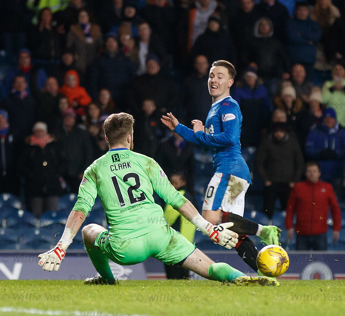 Barrie McKay squares the ball instead of shooting right at the end