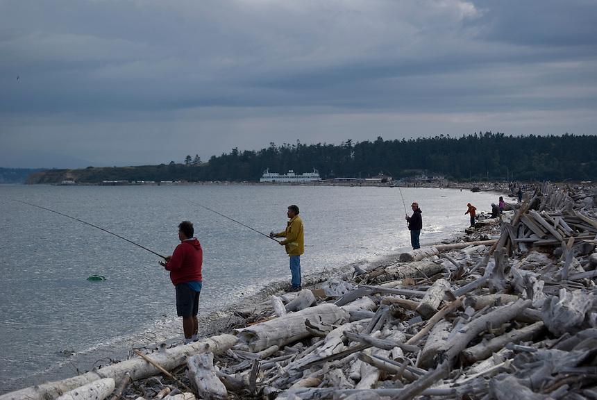 Shoreline fishing for pink salmon on whidbey island for Salmon fishing washington