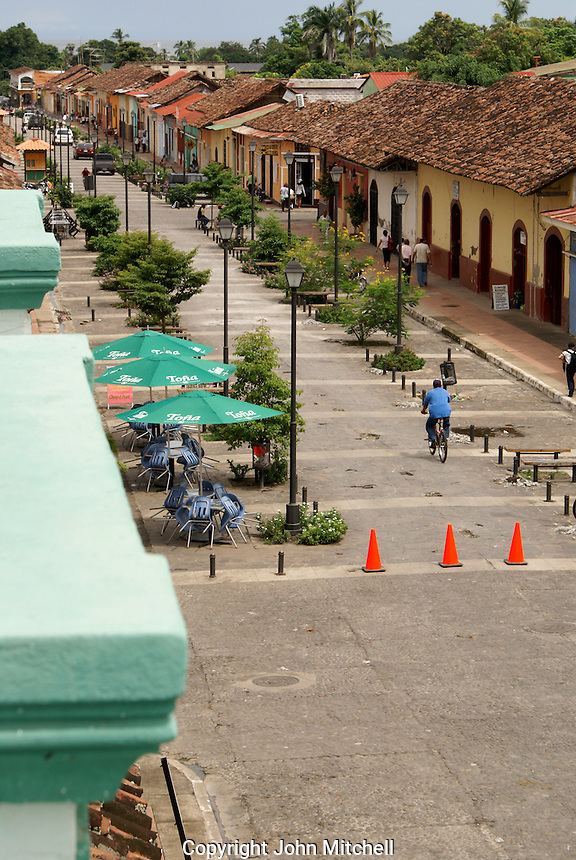 Calle La Calzada pedestrian walkway in the Spanish colonial city of Granada, Nicaragua