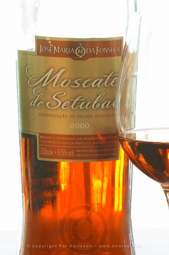 Moscatel de Setubal 2000. JM Jose Maria da Fonseca, Azeitao, Setubal, Portugal