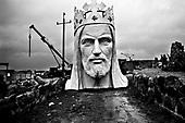 Swiebodzin 04.11.2010 Poland<br /> The crowned head of a statue of Jesus being built stands in Swiebodzin, 110 km (68 miles) west of Poznan, western Poland. The statue, whose body is 33 metres (108 ft) tall, is expected to be completed in November.<br /> Photo: Adam Lach / Newsweek Polska / Napo Images<br /> <br /> Koronowana Glowa najwyzszego na swiecie posagu Jezusa Chrystusa w Swiebodzinie ufundowanego prze lokalnego ksiedza Sylwestra Zawadzkiego.<br /> Fot: Adam Lach / Newsweek Polska / Napo Images