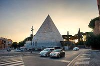 Roma 28 Agosto 2014<br /> Quartiere Ostiense, Porta San Paolo