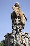 Monument in the Praca do Municipio Square, Braga, Minho, Portugal