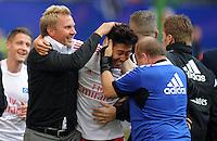 FUSSBALL   1. BUNDESLIGA   SAISON 2012/2013   5. Spieltag SV Werder Bremen - Hamburger SV                     22.09.2012         Trainer Thorsten Fink (li) jubelt mit dem 3:1 Torschuetzen Heung Min Son (re, beide Hamburger SV)