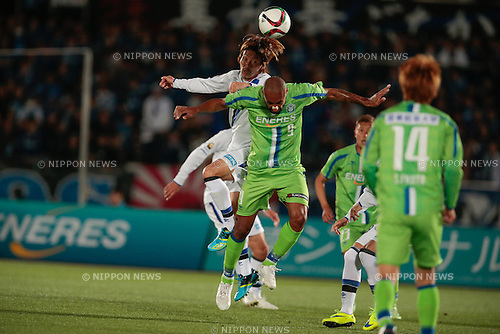 (L to R) <br /> Hiroki Fujiharu (Gamba), <br />  Bruno Cesar (Bellmare), <br /> APRIL 18, 2015 - Football /Soccer : <br /> 2015 J1 League 1st stage match <br /> between Shonan Bellmare 0-2 Gamba Osaka <br /> at Shonan BMW Stadium Hiratsuka, Kanagawa, Japan. <br /> (Photo by AFLO SPORT)