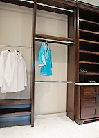 CLOSETS