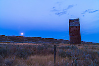 The old grain elevator at Dorothy, Alberta and the Full Harvest Moon. Taken as part of a 400-frame time-lapse sequence. With Canon 5D MkII and 16-35mm lens. Exposure with Little Bramper intervalometer.