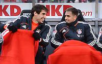 FUSSBALL   1. BUNDESLIGA  SAISON 2012/2013   12. Spieltag 1. FC Nuernberg - FC Bayern Muenchen      17.11.2012 AUF DER ERSATZBANK Javi , Javier Martinez UND Philipp Lahm (v. li., FC Bayern Muenchen)