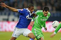 FUSSBALL   1. BUNDESLIGA   SAISON 2011/2012   22. SPIELTAG FC Schalke 04 - VfL Wolfsburg         19.02.2012 Jefferson Farfan (li, FC Schalke 04) gegen Marcel Schaefer (re, VfL Wolfsburg)