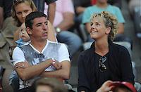FUSSBALL   1. BUNDESLIGA  SAISON 2011/2012   5. Spieltag FC Bayern Muenchen - SC Freiburg         10.09.2011 Roy Makaay mit seiner Frau Joyce auf der Tribuene
